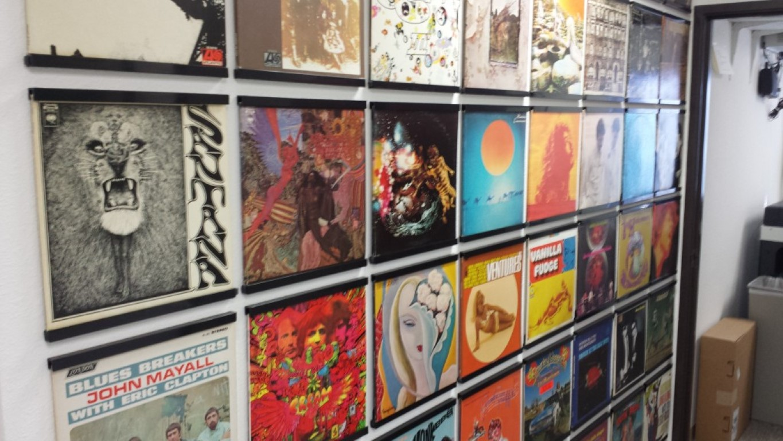 New Vinyl Display Frame A Huge Load Of Recent Vintage And